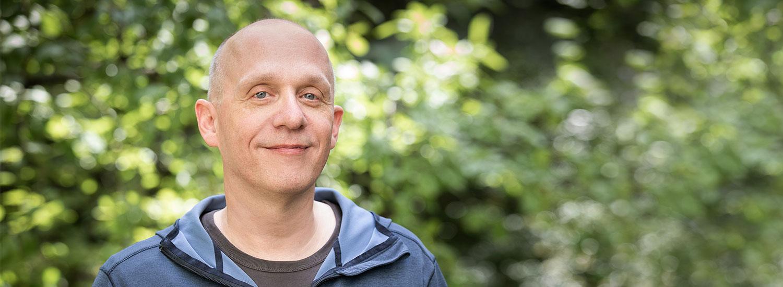 Psychotherapeut Daniel Ritter in der Natur